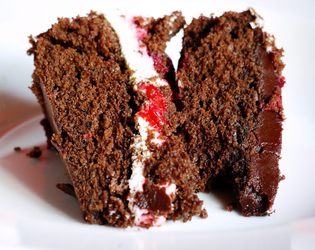 chocolate cake, strawberry cake, strawberry recipe