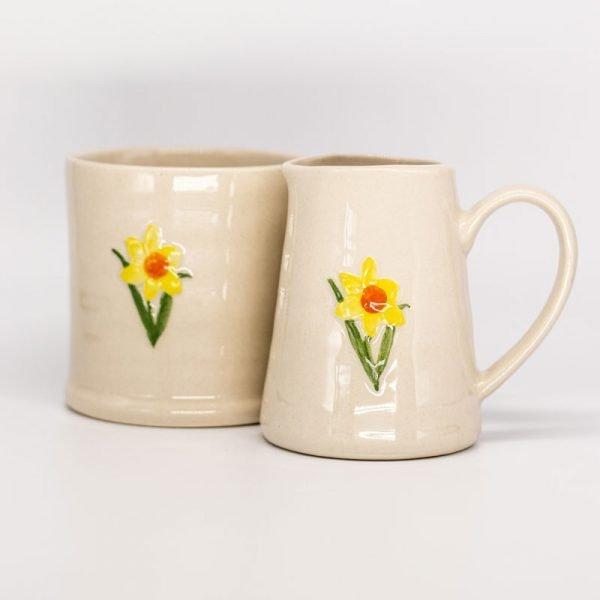 Gisela Graham ceramic daffodil mug and jug